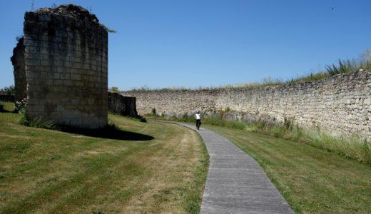 フランスの田舎道をサイクリング!先史時代ミュージアムへ! , Le Grand Pressigny , France
