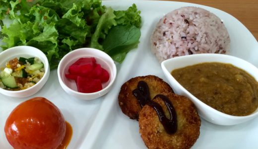 【閉店】スーパーフード天国!「カルナスーパーフードカフェ(Carna Superfoods Cafe)」でランチ!