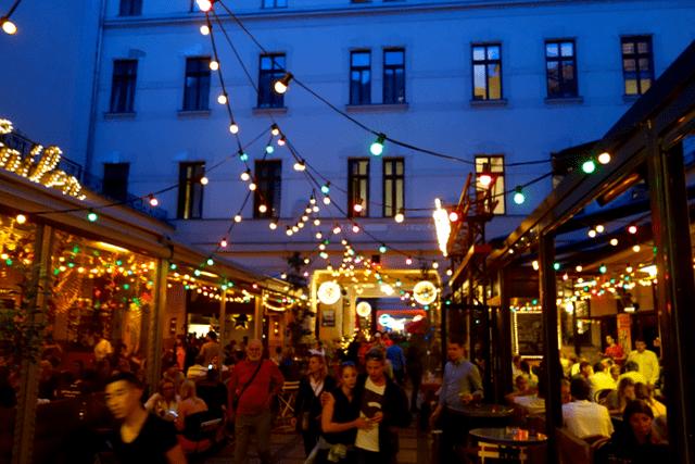 budapest2 - night
