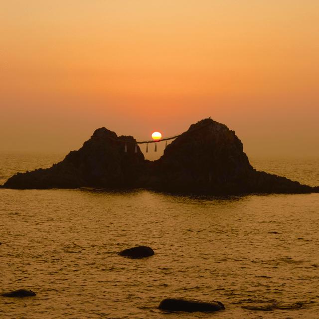 夕日の夫婦岩