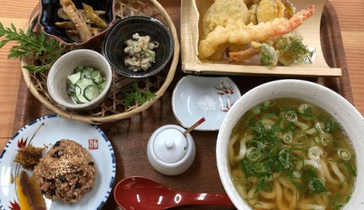 白糸うどん「やすじ」自家農園の野菜も!お得感満載の、糸島のうどん屋。