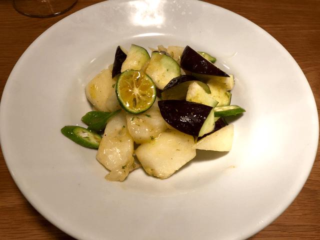 梨と水ナスのサラダ