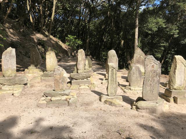 漢方園を代々守った方々の墓