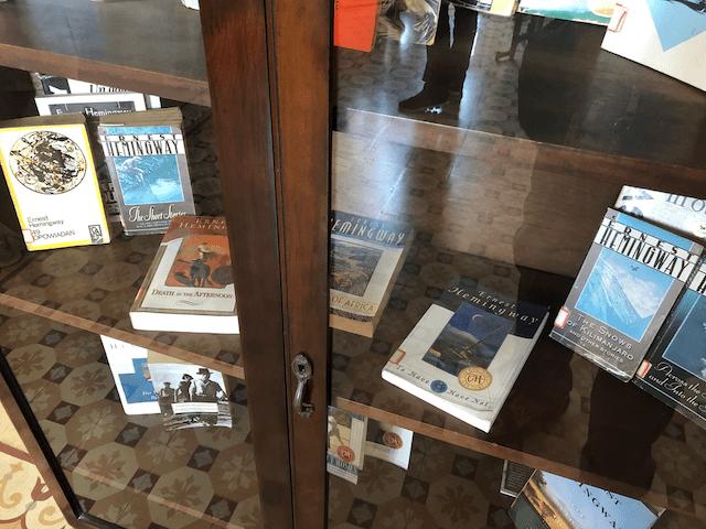 執筆した書籍の展示