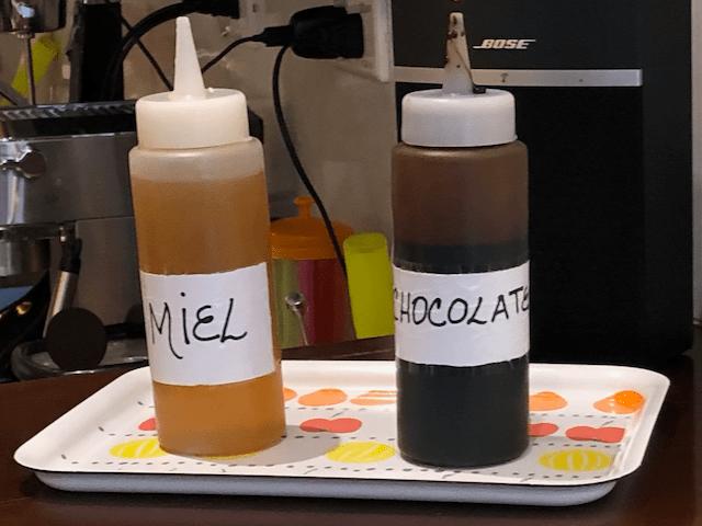 トッピング無料のハチミツとチョコレート