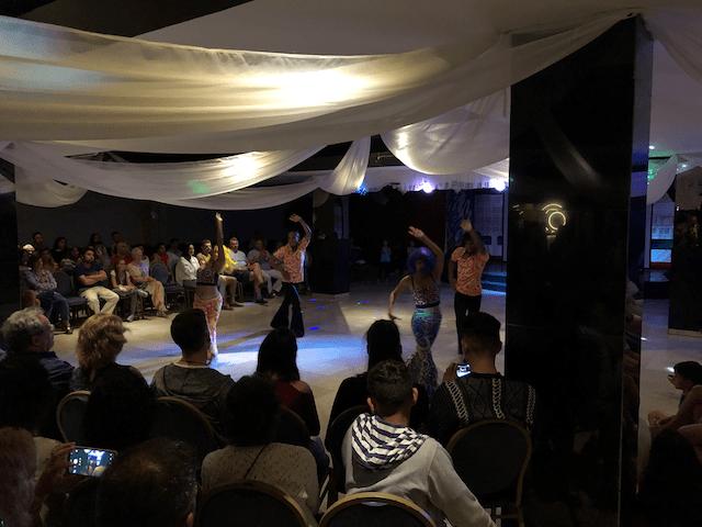 サルサダンスショー